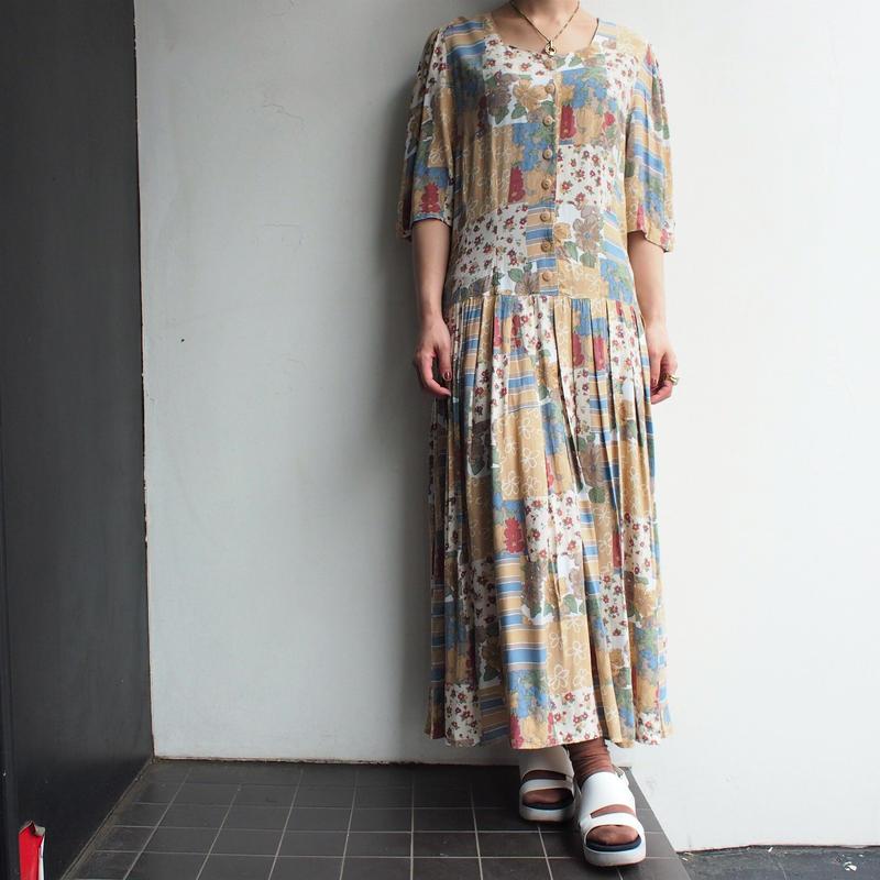 Various flower print dress