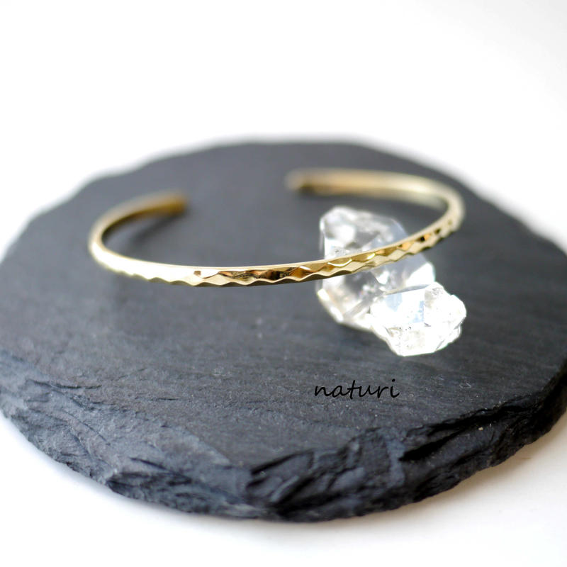 【tronc】brass hammered bangle