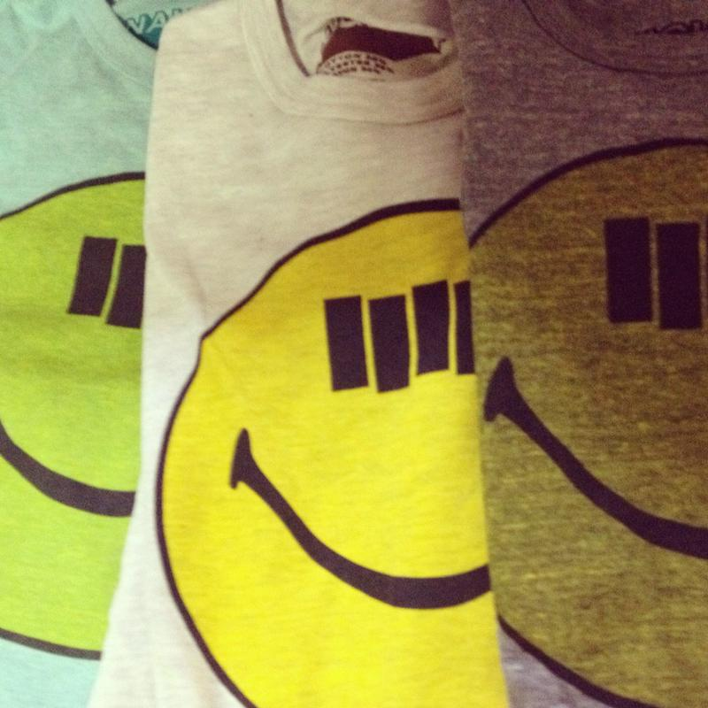 SMILE FLAG S/S Tee