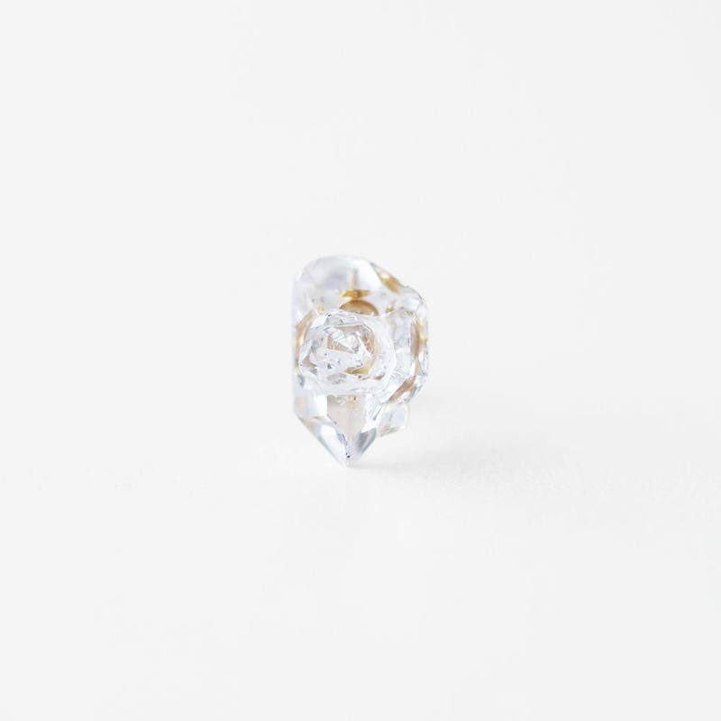 片耳ピアス/ハーキマーダイヤモンド結晶