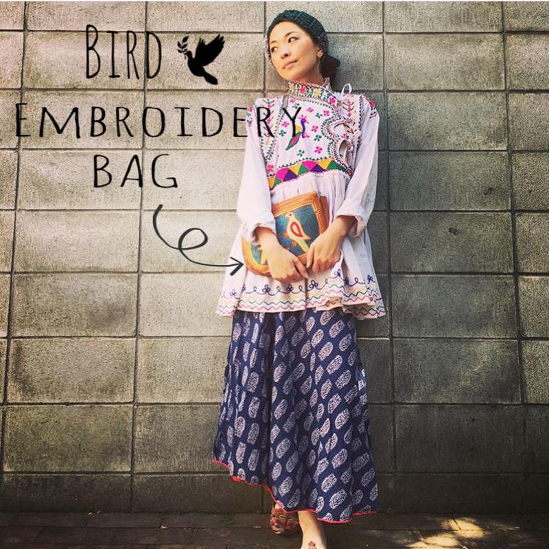 インド・ラジャスタン  ゴート革 鳥刺繍バッグ