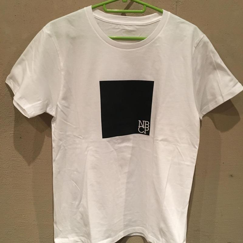 「NBCP」ロゴTシャツ