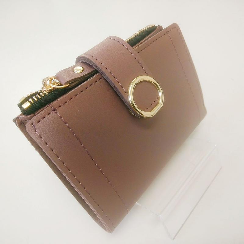 コンパクトな可愛いピンクブラウンの財布
