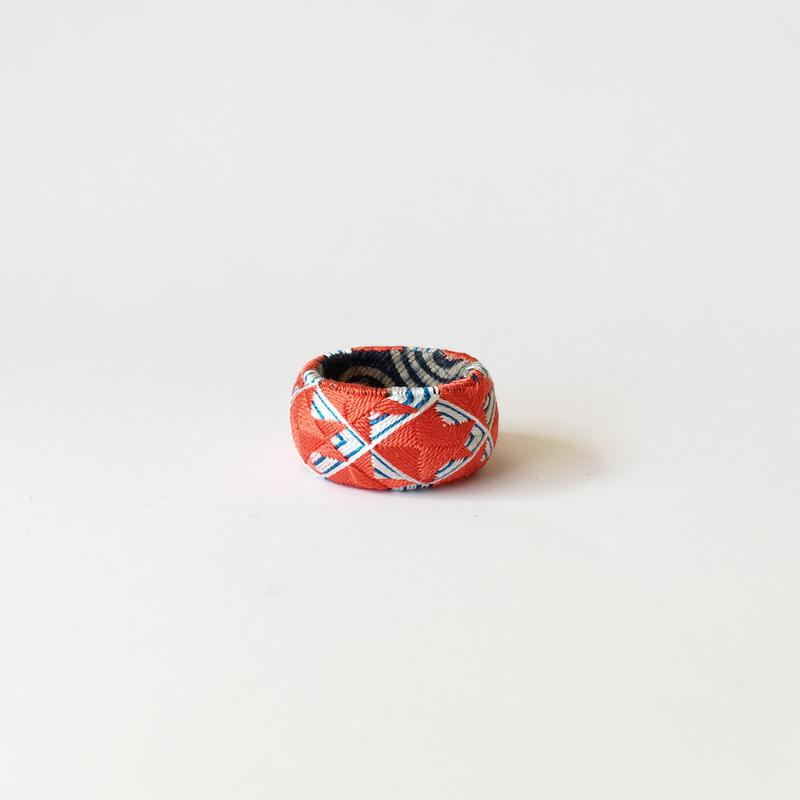 KAGARU | 指ぬき [金魚]