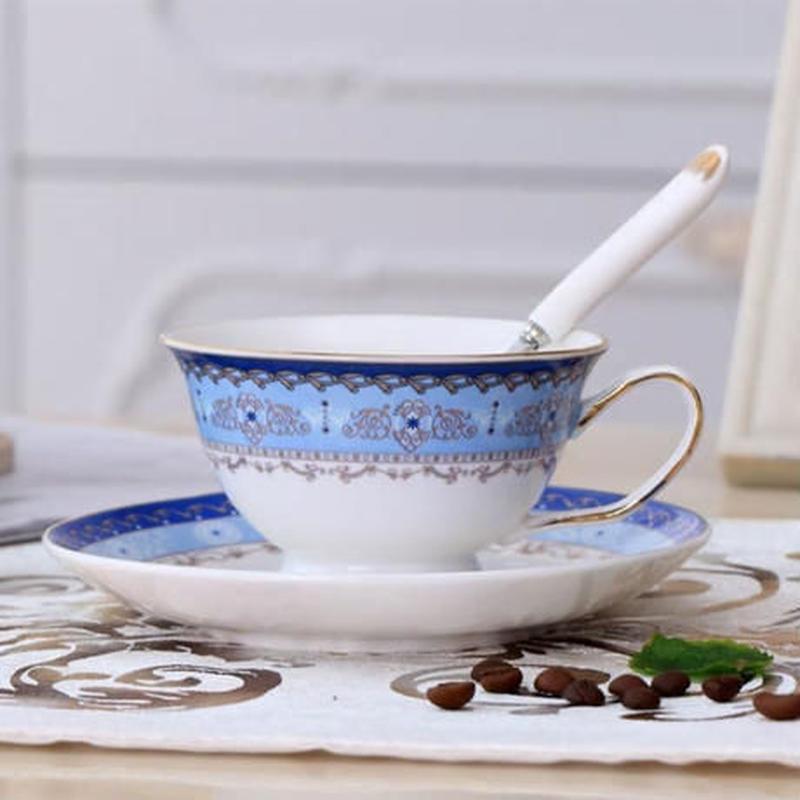 新品送料込 ティーカップ 200ml ソーサー スプーン 3点セット おしゃれ柄 磁器 コーヒー お茶会に 食器 高級装飾 贈り物