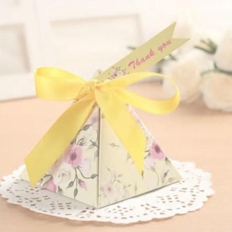 新品送料込 ギフトボックス 50個セット 三角型 薔薇 リボン付 バレンタイン お誕生日会 結婚式 ラッピング プレゼント