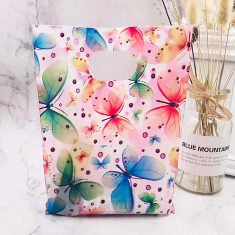 新品送料込 ギフトバッグ 手提げ袋 100枚セット ピンク 蝶々 バレンタイン お誕生日会 結婚式 ラッピング プレゼント