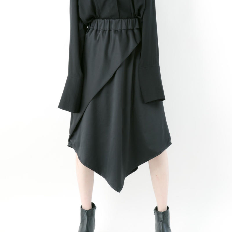 【19-20A/W 受注予約商品】《BLACK by -niitu-》 Satin skirt