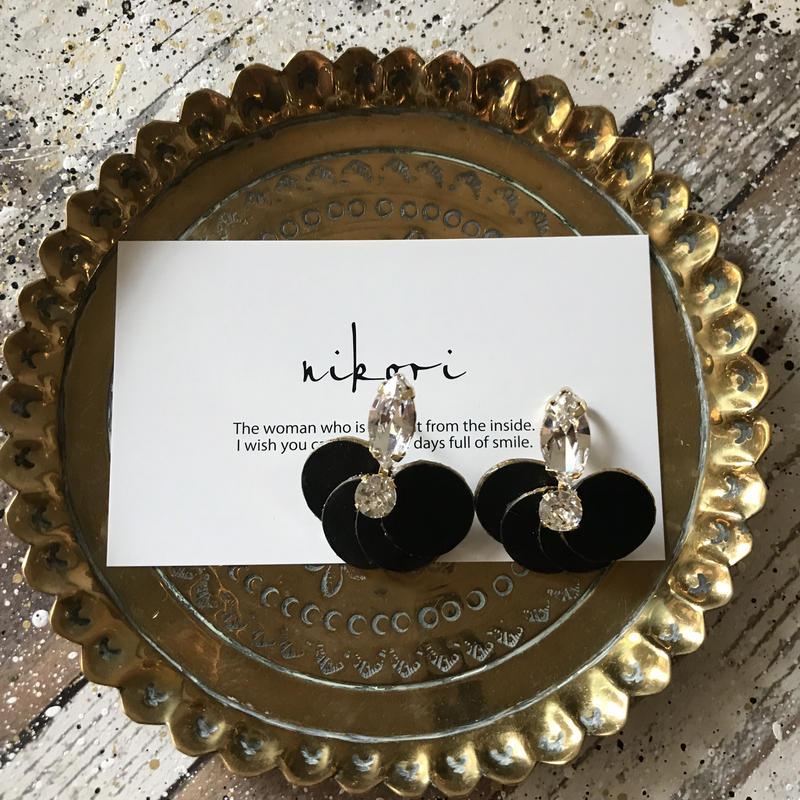 hanabira pierce/earring _ black