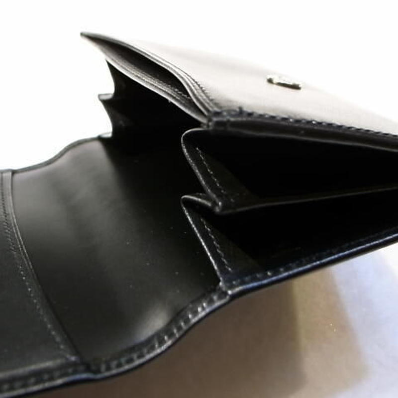 上品でグレード感があるカーフスキンコインケース扇マチ仕様 黒