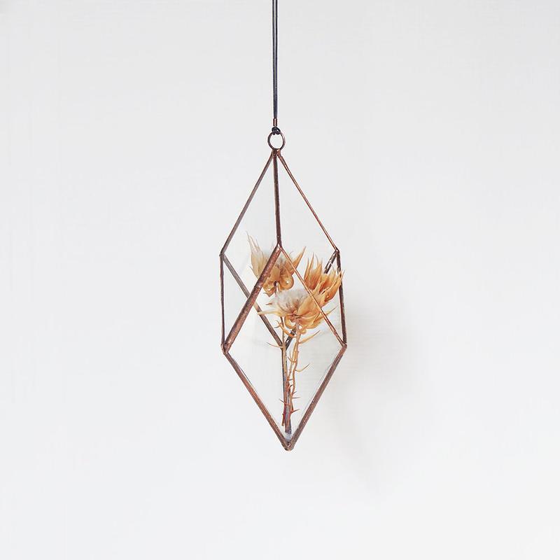 hanging flowervase/rhombohedron/antique