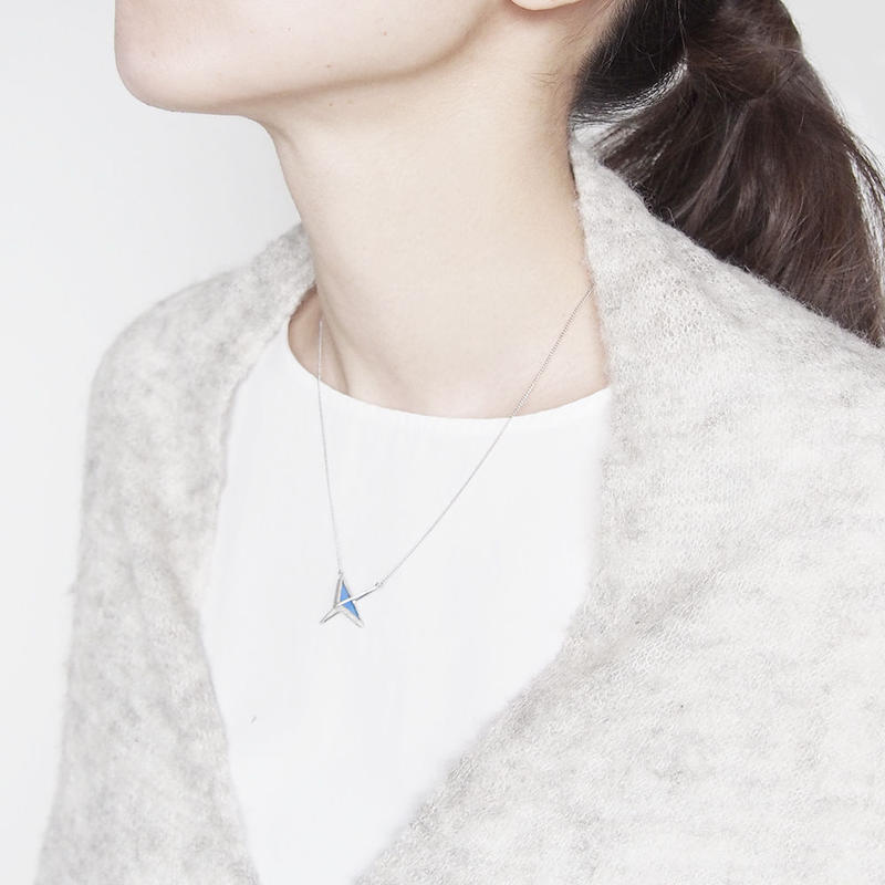 right angle necklace/blue