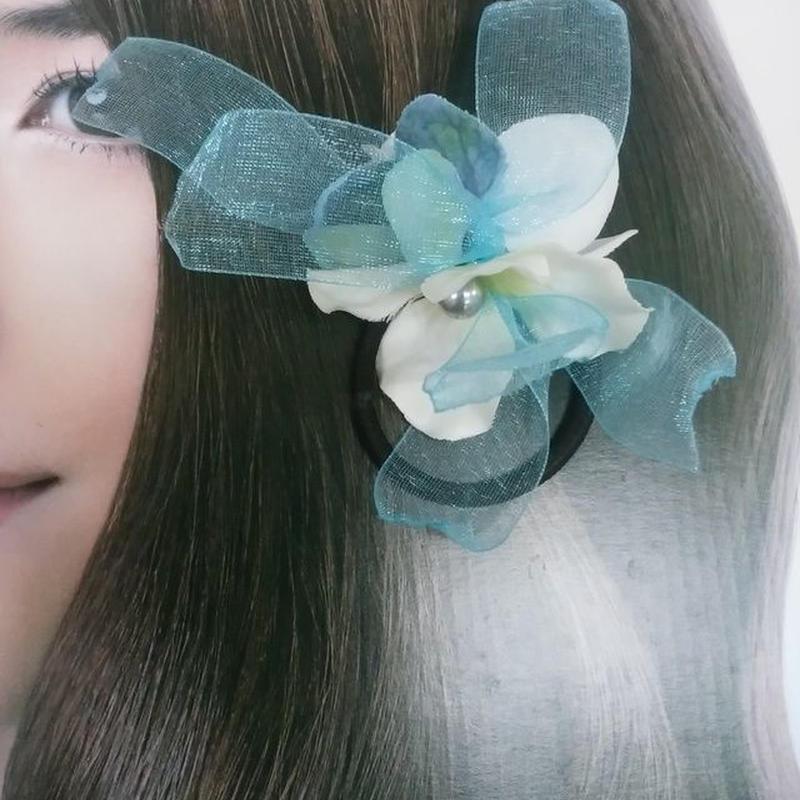 紫陽花のヘアゴムとブルーのオーガンジーリボンのヘアアクセサリー