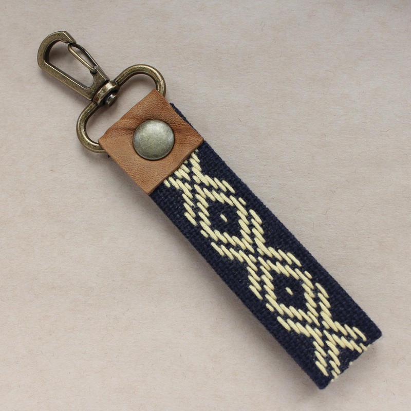 菱刺し刺しキーホルダー (紺×黄色)
