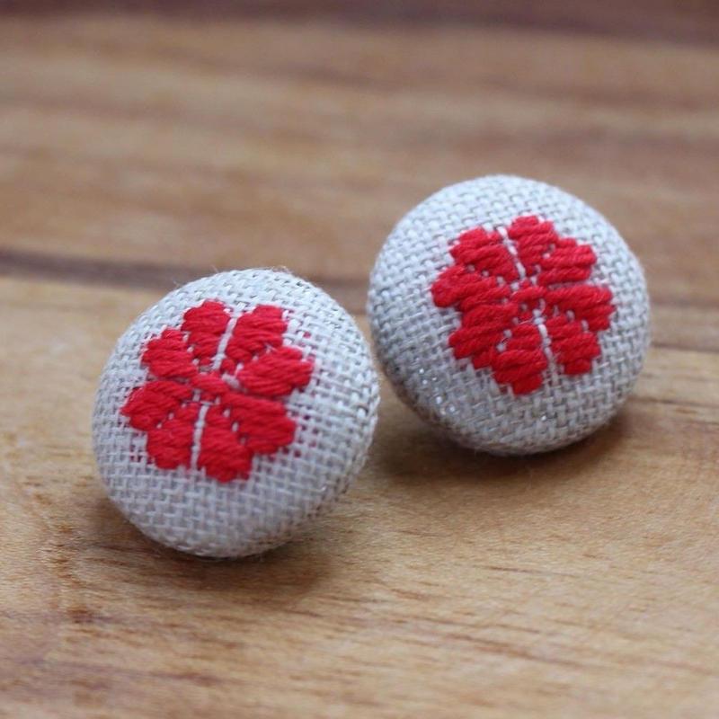 梅の花 ピアス 赤