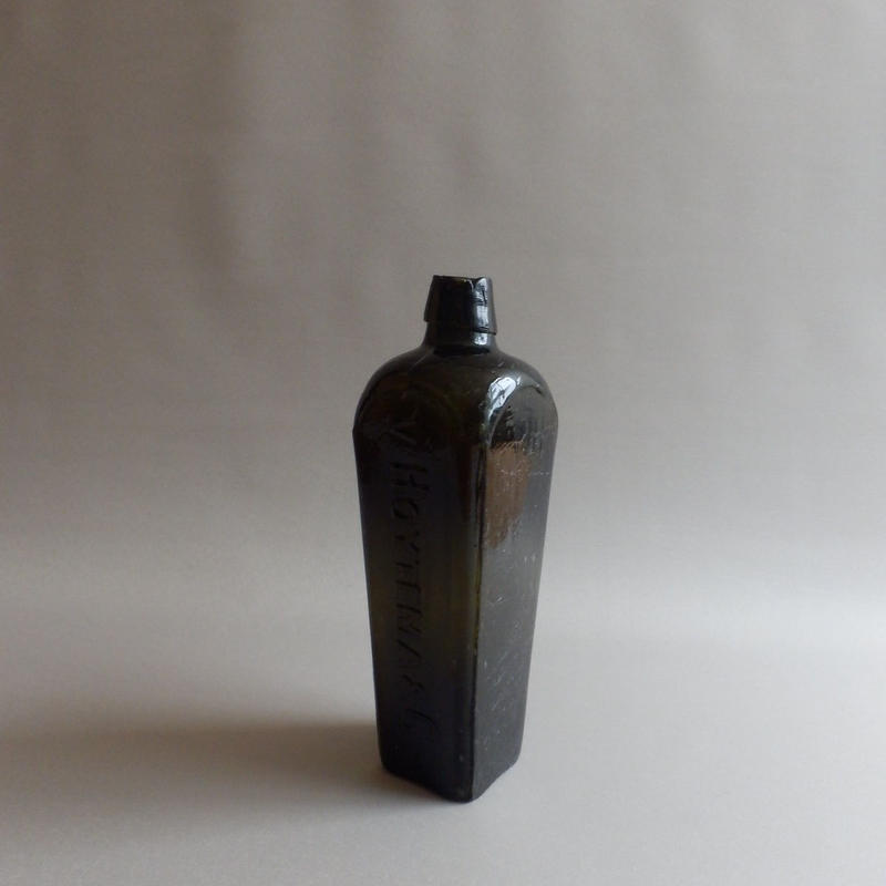 "NA349② Glass Gin Bottle ""v HOYTEMA & C""ジン・ボトル"