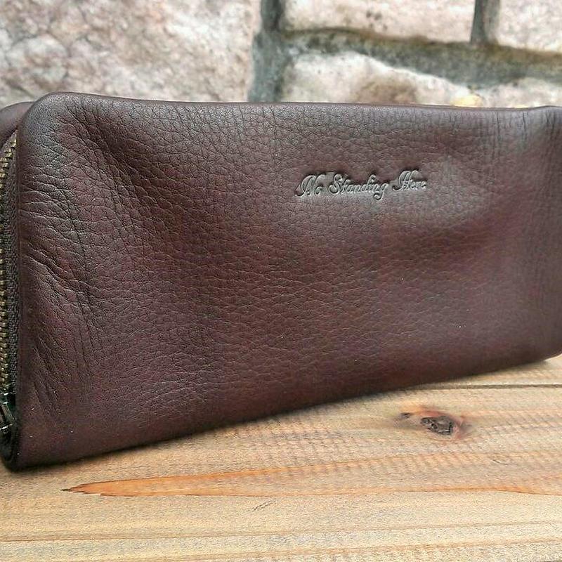 しっとり高級感あるオイルレザーの長財布
