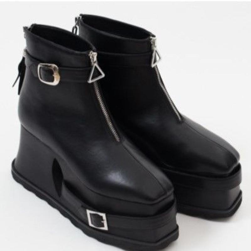 AM-0612-FREE YURI PLATFORM BOOTS <BLACK>