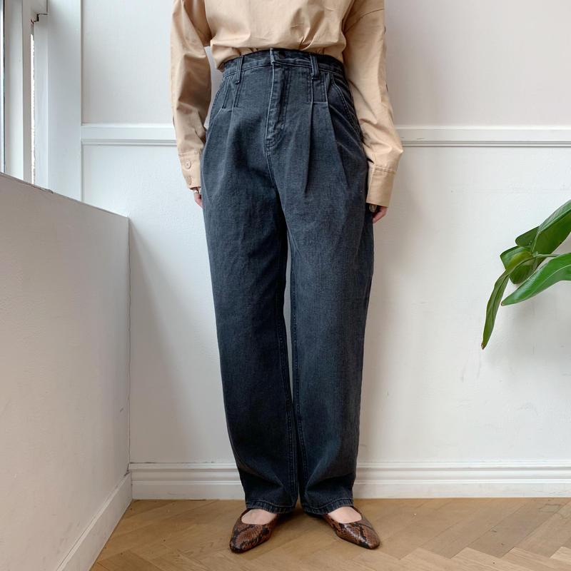 ✳︎予約販売✳︎tuck jeans