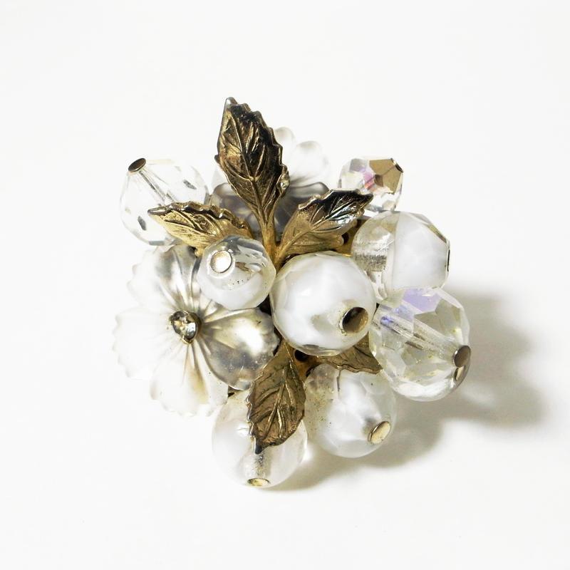 【Coro/コロ】フロストフラワーガラス ホワイトギブレガラス オーロラクリアガラス ホワイトフラワーブーケ ブローチ/ヴィンテージ