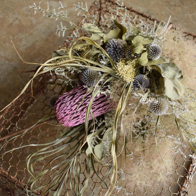 野の花屋  スモークツリーとバンクシャースワッグ