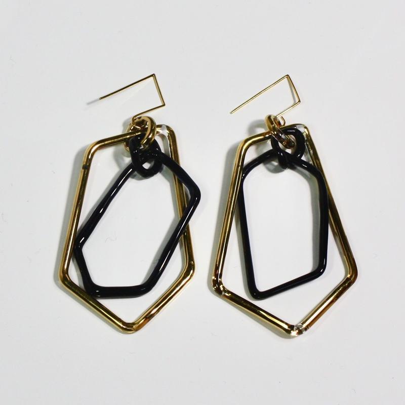 Pengtagon Hook Earrings / ペンタゴンフックピアス プラチナゴールド