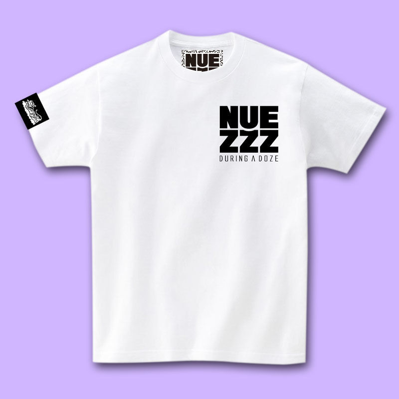 NUEZZZ SQUARE LOGO PRiNT T-Shirts [WHITE]〈NZ023〉