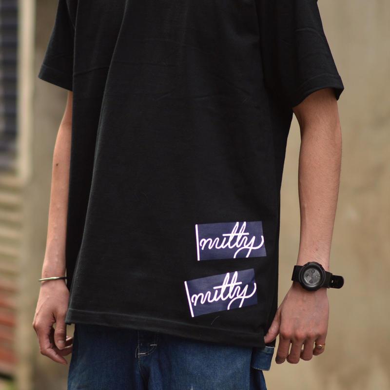 nutty clothing / STICKER T-SHIRT