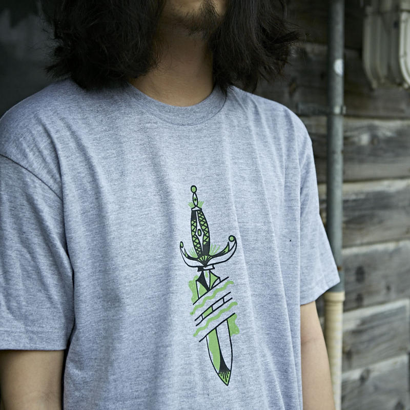 nuttyclothing / BUBBLE DAGGER T-SHRT