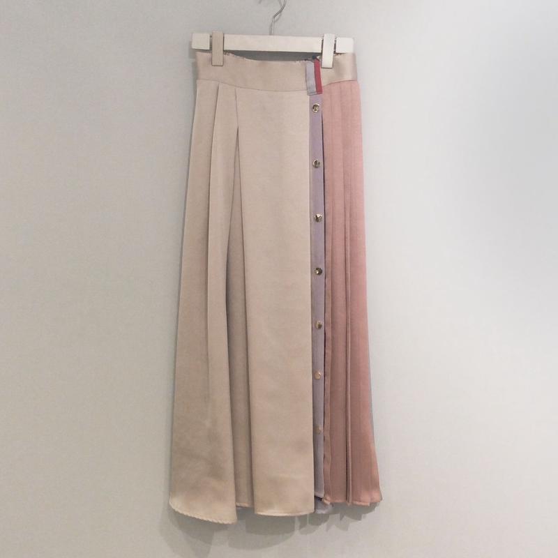 tranoi ゴールドスナップ釦スカート