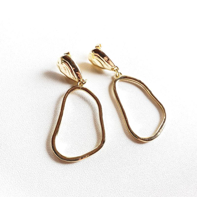 ゆらぐループピアス  / abstract loop earring