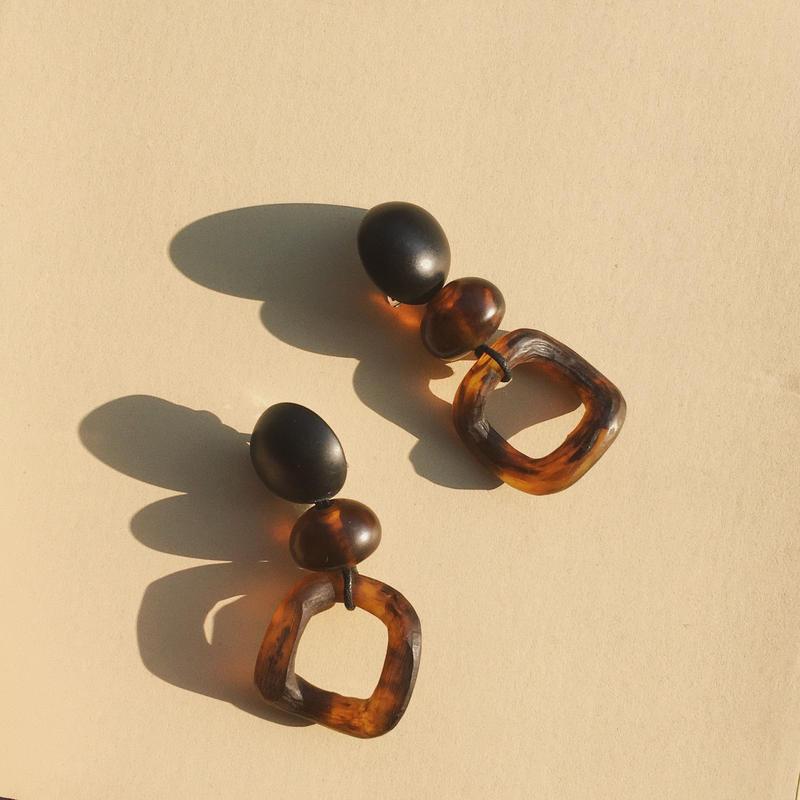 VALET - Leona Earrings  (Tortoise)