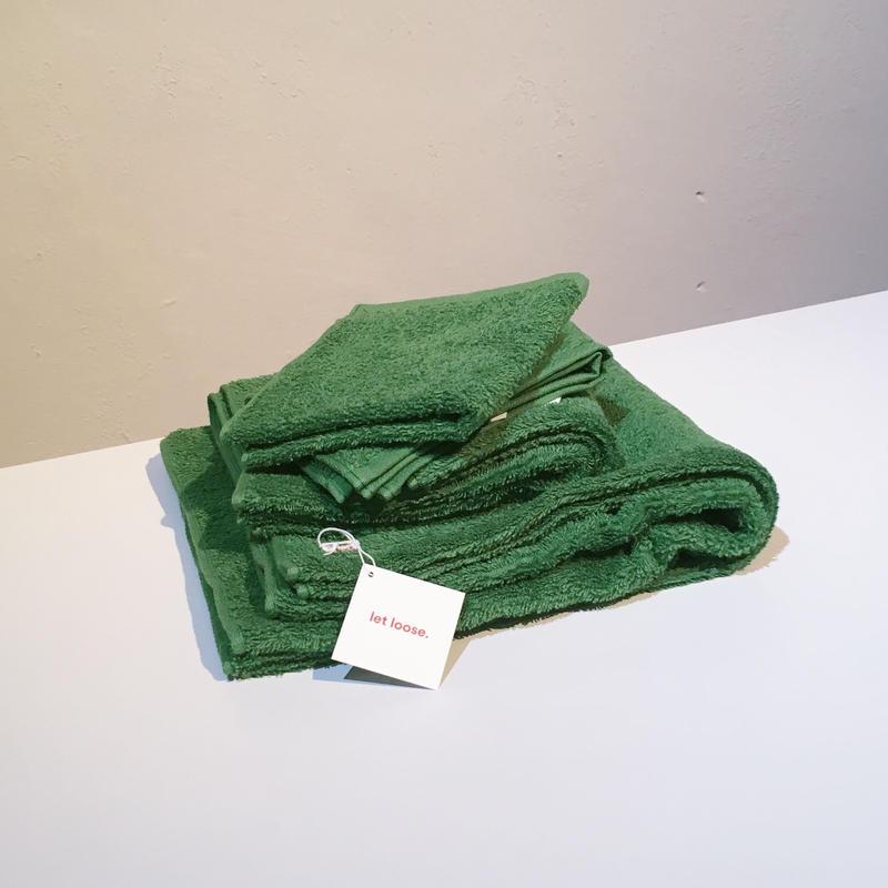 let loose. -  mini bath towel 53 × 120cm