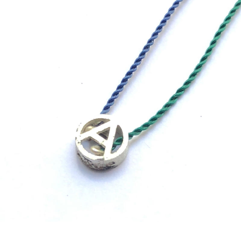 PHINGERIN / Tiny A Necklace (green x navy) (Blend)