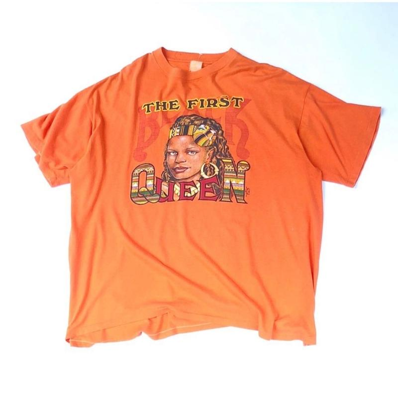"""""""THE FIRST QUEEN"""" Tee (spice)"""