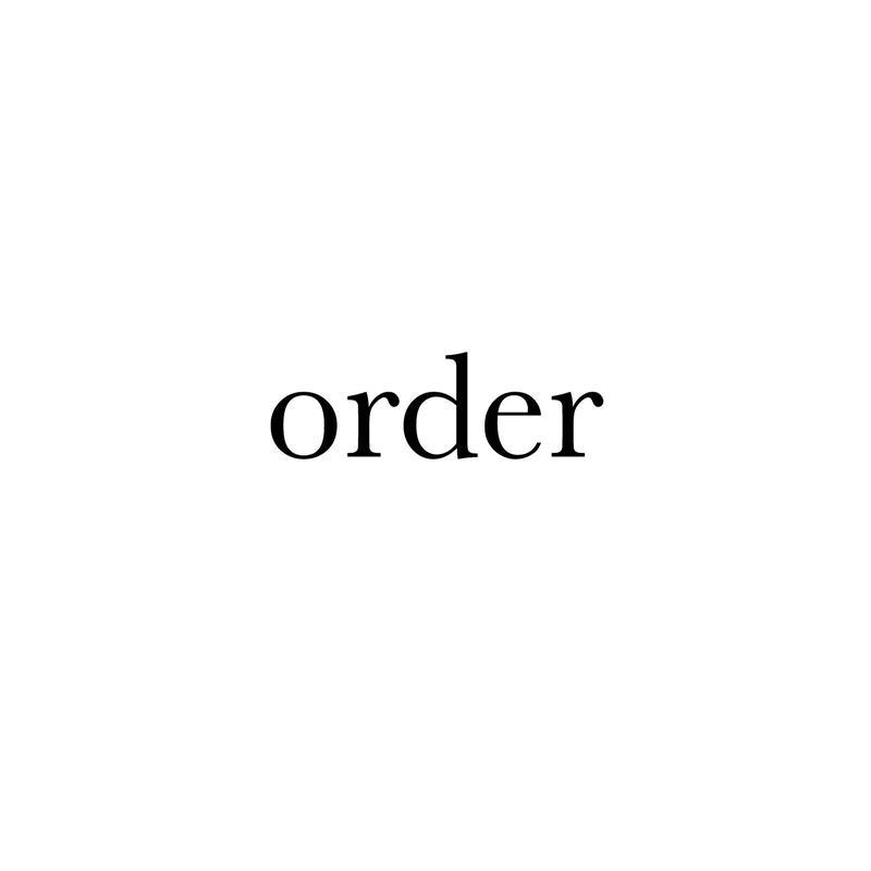 order white Flower 三日月 wreathe