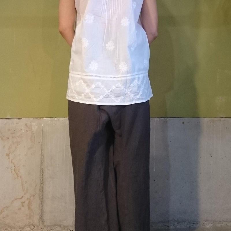 ラクナウ手刺繍のブラウス