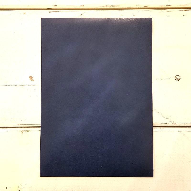 栃木レザー インディゴ A4サイズ【漉き加工無料】