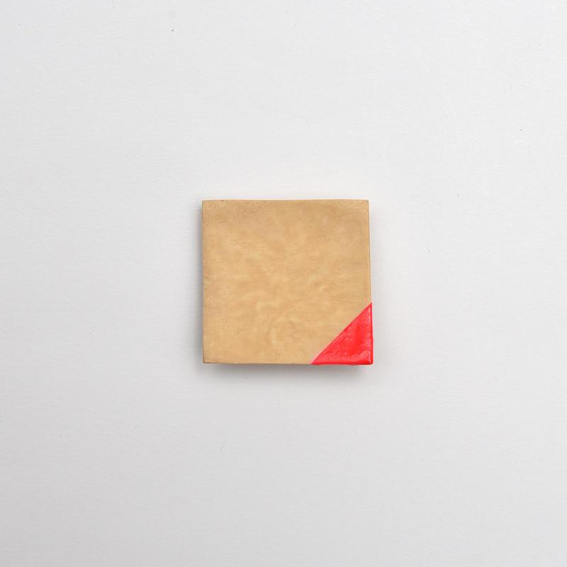 竹のブローチ 四角/赤