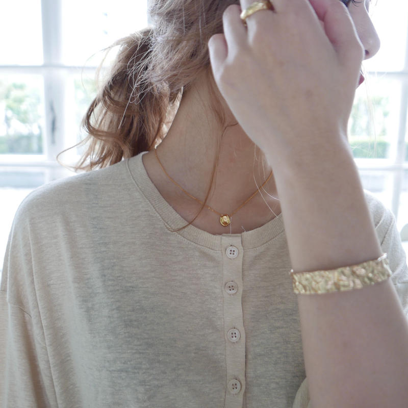 Gold one necklace
