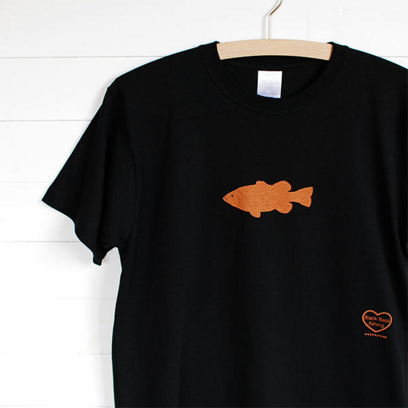 ninna Black Bass T-Shirts