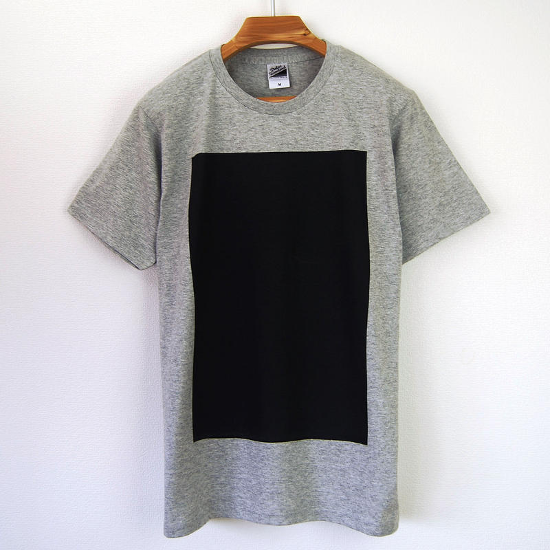 黒角図Tシャツ_鼠/スタンダードシルエット