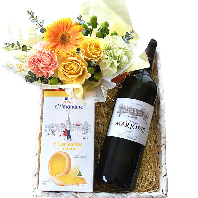 ペアギフト ワインとお花、スイーツのギフト ボルドー 白ワイン 750ml レモンタルトクッキー 黄色・オレンジの生花アレンジメント