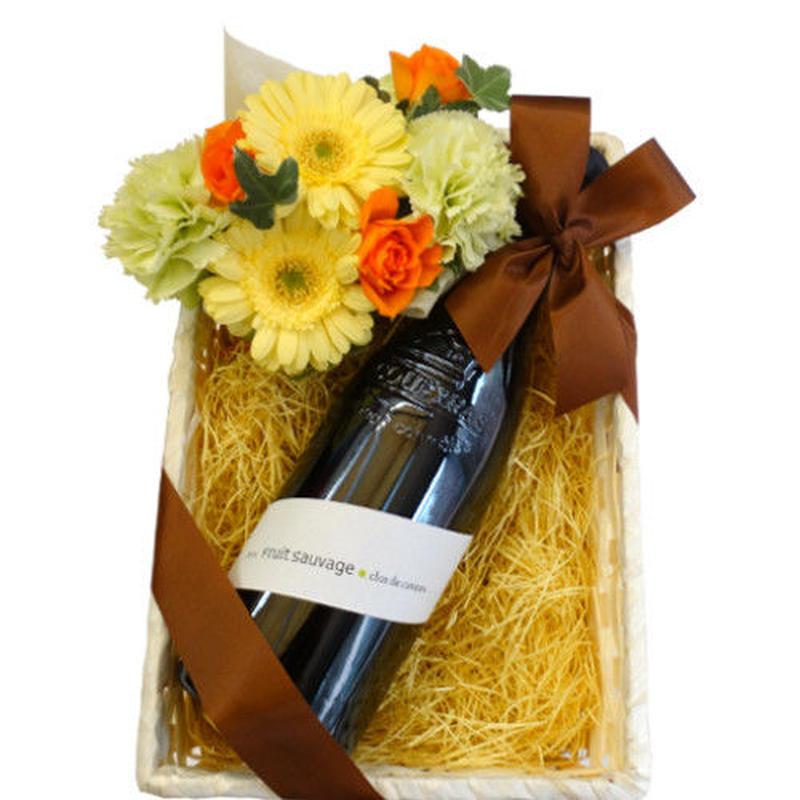 父の日 のギフトにおすすめ ワインとお花のギフト 南フランスのフルーティーなオーガニック赤ワイン 750ml と 黄色とオレンジ色のフラワーアレンジメント