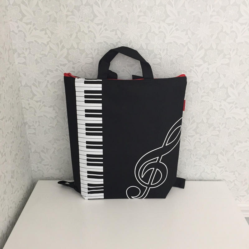 Piano line 2wayリュックバック 鍵盤柄