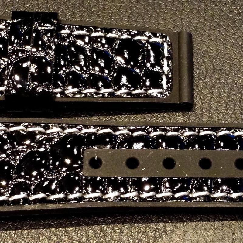 【メンズレザー×ラバーストラップ】ブラック型押しエナメル×ブラックラバー