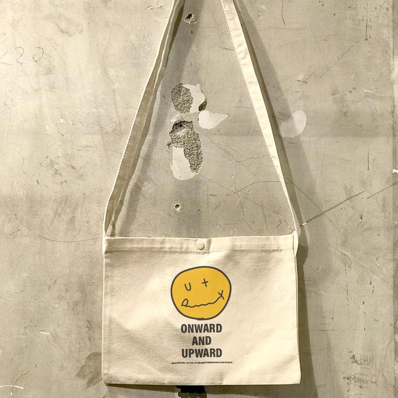 """【予約商品】OPB01  """"OUTPUT SMILE"""" Sacoche"""