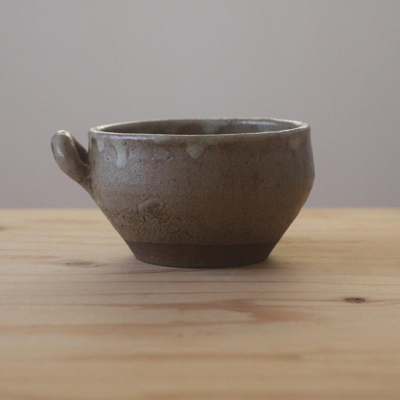 李朝期の片取手付茶碗