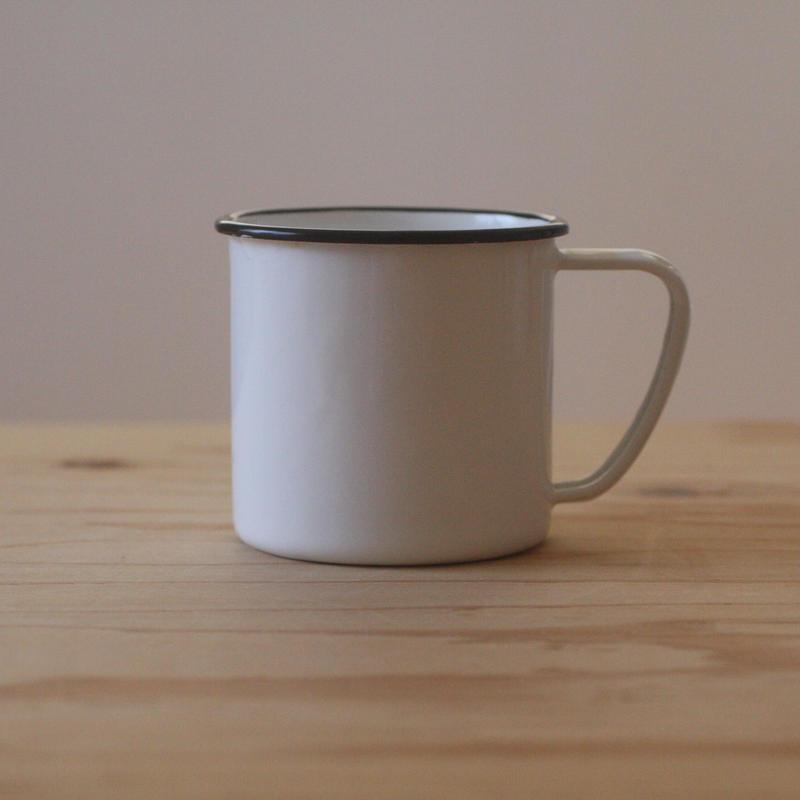 琺瑯のマグカップ