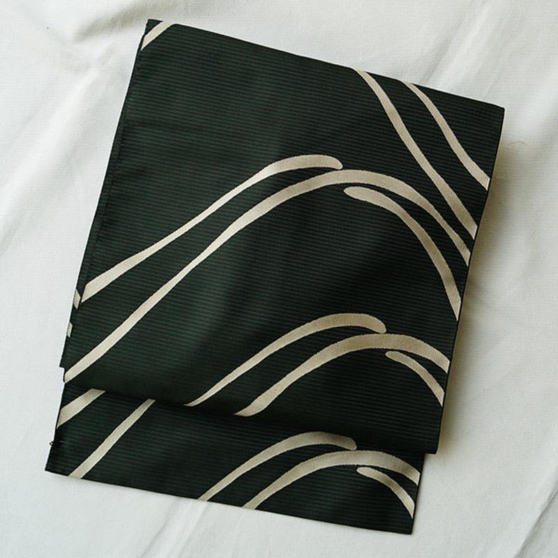 【なごや帯】織りなごや帯緑墨色流れる線の柄